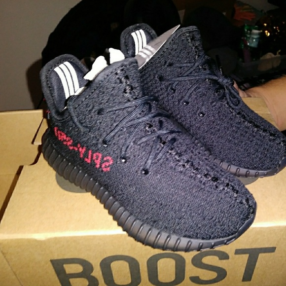 super popular 2e0c9 4aeff Adidas Yeezys Kids NWT